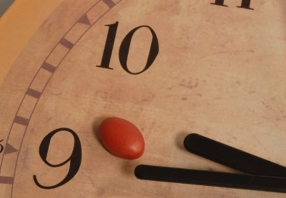 часы с таблеткой
