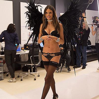 """Лима, Амбросио и другие """"ангелы"""" готовятся к шоу Victoria's Secret-2014 3"""