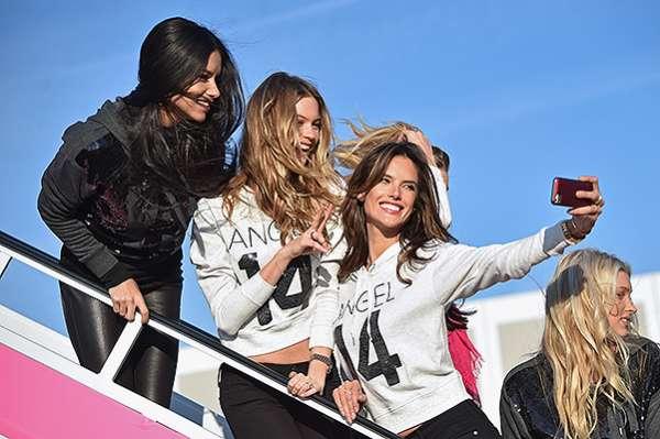 """""""Ангелы"""" Victoria's Secret  вылетели в Лондон 8"""