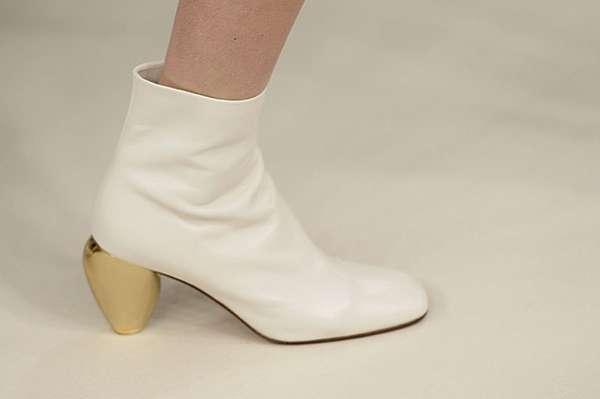 Белым по белому: показ коллекции Valentino в Нью-Йорке 9