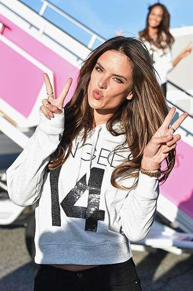 """""""Ангелы"""" Victoria's Secret  вылетели в Лондон 3"""