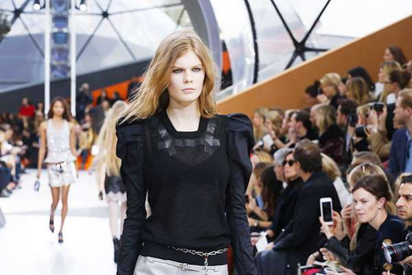 Неделя моды в Париже: показ Louis Vuitton 1