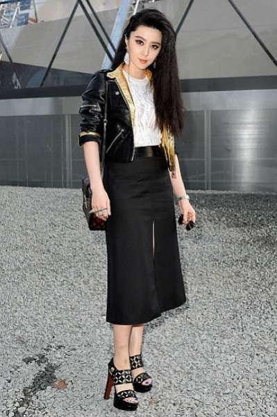 Неделя моды в Париже: показ Louis Vuitton 25