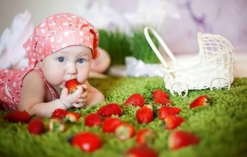 Клубника: польза и вред для здоровья, основы правильного употребления. Можно ли клубнику кормящим мамам и маленьким детям 3
