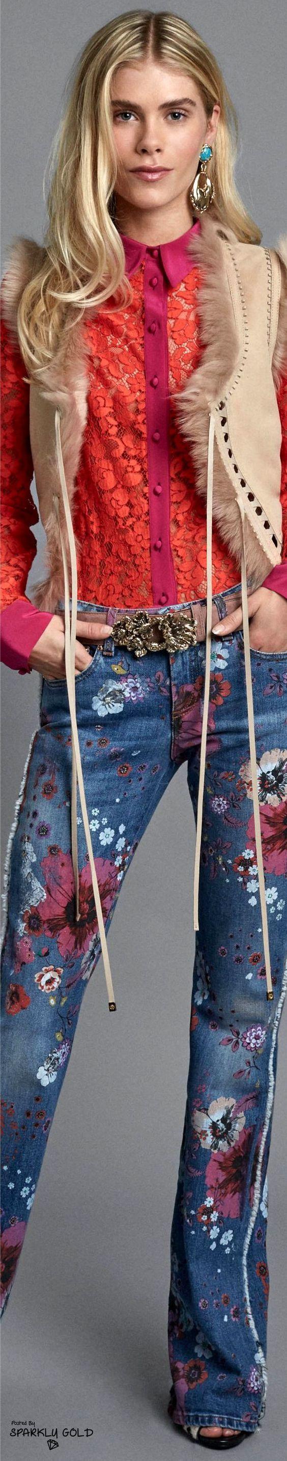 модные брюки 2017, джинсы с вышивкой
