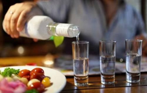К чему снится водка: чего ждать после такого сна? Основные толкования - к чему снится пить водку во сне, в одиночку или в компании 6