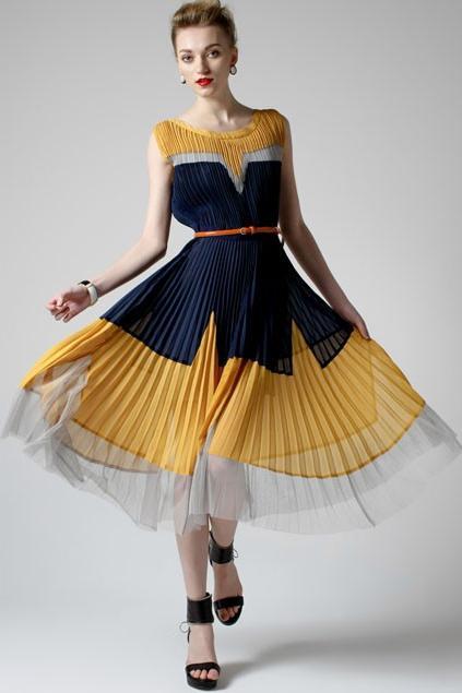 Платье плиссированное и время 16