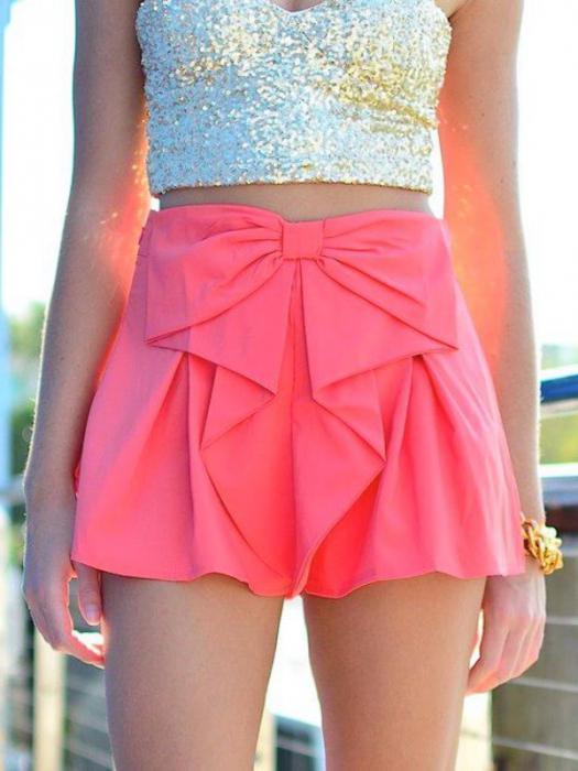 Короткая юбка - все внимание ее обладательнице! 15