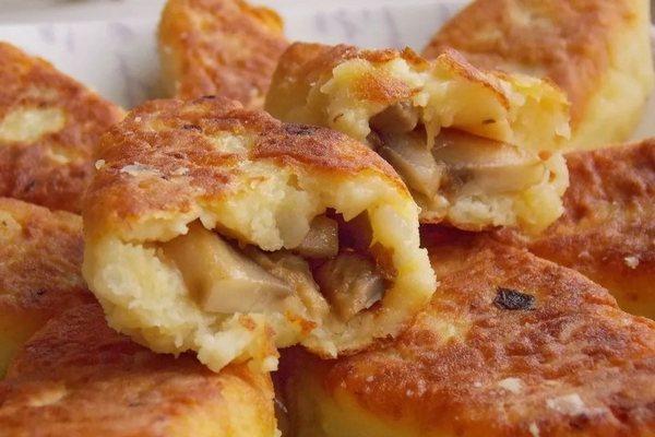 Зразы из картофеля с грибной начинкой